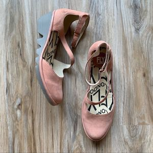 NWT Fly London Plan717Fly in Rose Cupido Sz 38.5